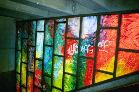 graffiti dans le metro de montreal