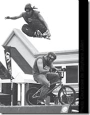fast-motion-cascadeur-cascade-professionnelle-roller-blade-roues-alignees