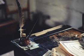 desk-1869579_960_720.jpg